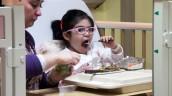 Cómo dar una alimentación adecuada a los niños